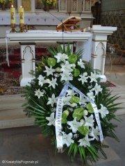 Wieniec pogrzebowy w kościele drewnianym na Cmentarzu Brółdnowskim