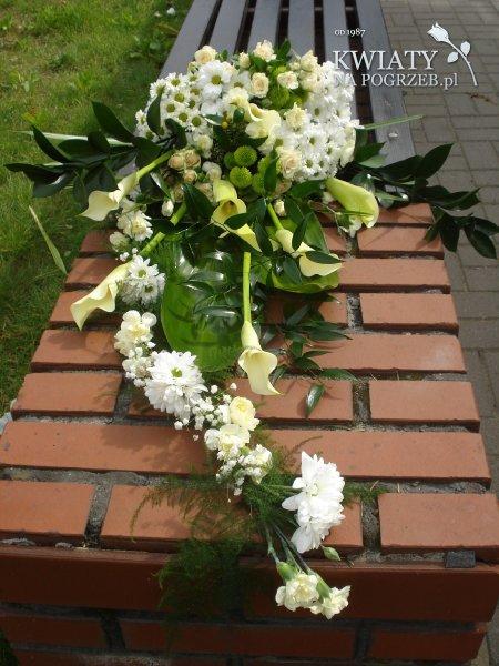 dekoracje natrumienne wie�ce pogrzebowe wi�zanki