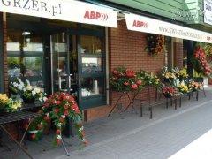 KWIATYnaPOGRZEB.pl przy Cmentarzu Bródnowskim w Warszawie (2006r.)